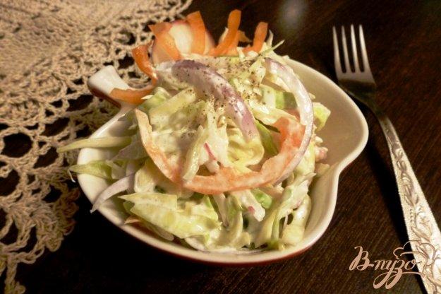 фото рецепта: Овощной салат из капусты и редиса