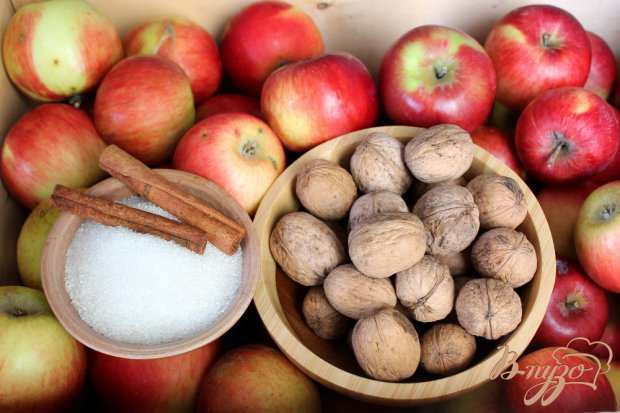 Рецепт Яблочное повидло с корицей и грецким орехом
