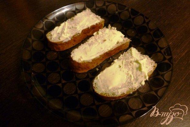 Рецепт Бутерброды с соленой кетой и вялеными томатами