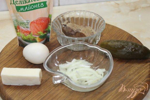 Рецепт Салат из свиной печени с плавленным сыром и огурцами