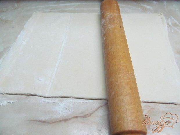 Рецепт Пирожки из слоеного теста с бананом и сметаной