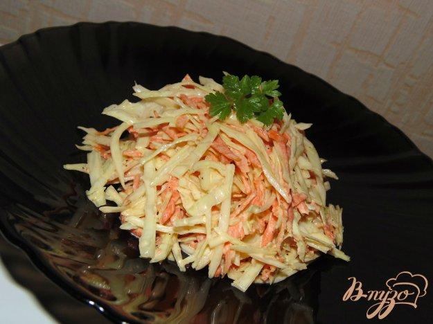 фото рецепта: Капустный салат с копченым сыром и морковью