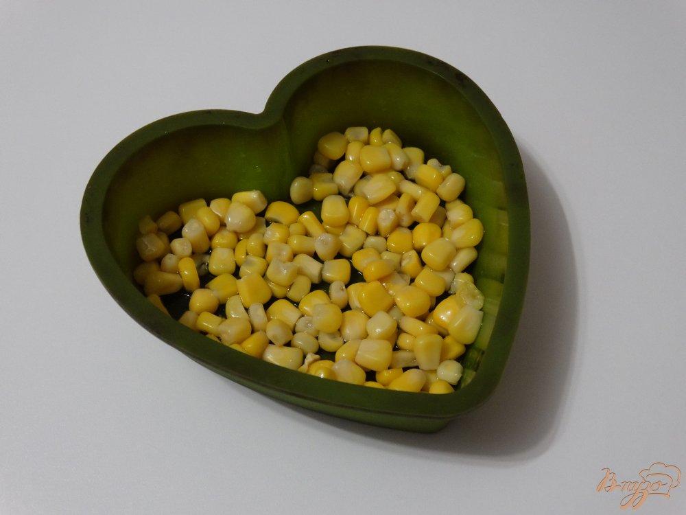 Фото приготовление рецепта: Белковый омлет с творогом и кукурузой шаг №5