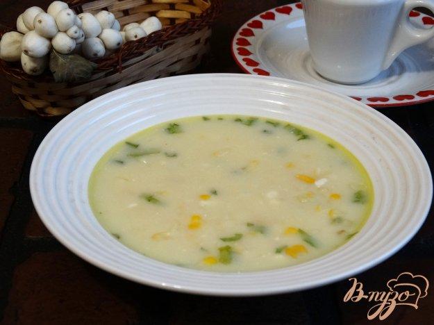 фото рецепта: Сырный суп с консервированной кукурузой