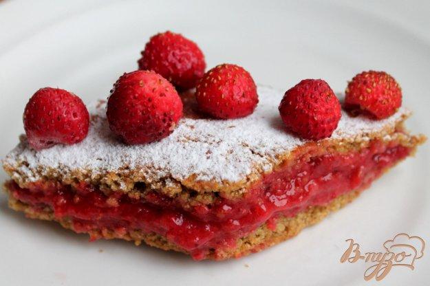 фото рецепта: Овсяные пирожные с клубникой