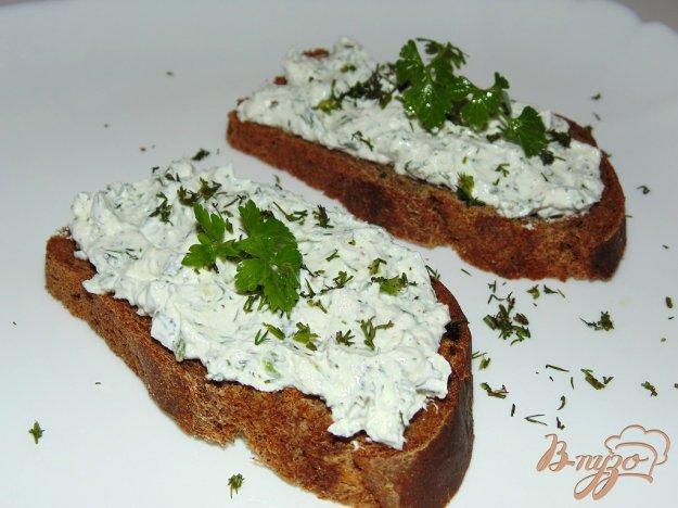фото рецепта: Творожный крем с укропом для бутербродов