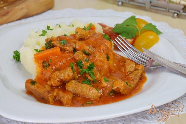 фото рецепта: Мясо с томатно- сливочной подливой