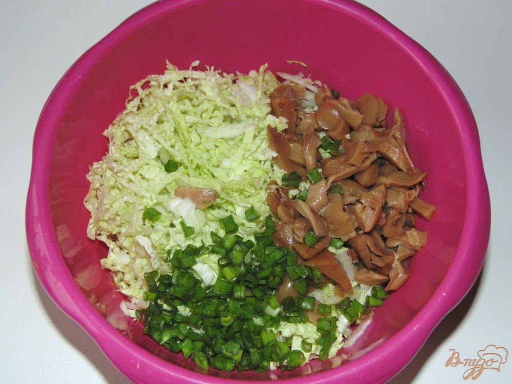 Салат из авокадо с креветками и грибами фото рецепт
