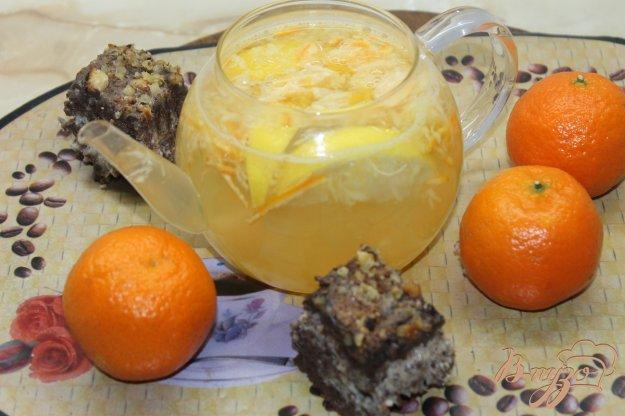 фото рецепта: Имбирный чай с лимоном, мандаринами и медом