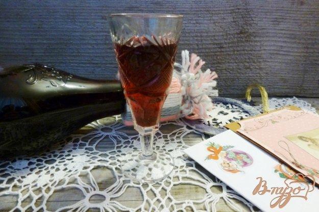 фото рецепта: Настойка на черноплодной рябине с цедрой апельсина
