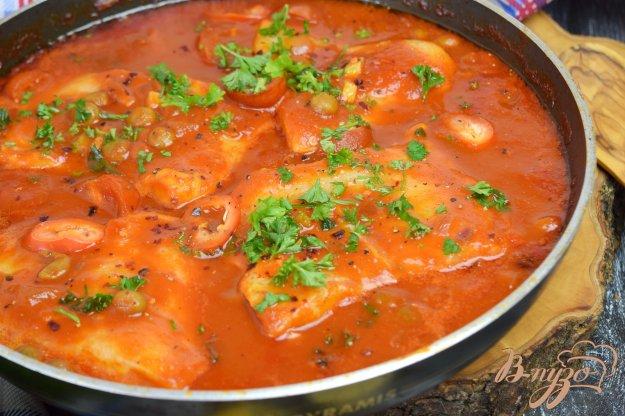 фото рецепта: Рыба в томатном соусе с горошком