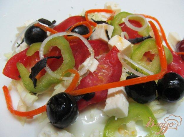 фото рецепта: Салат из капусты помидора и перца