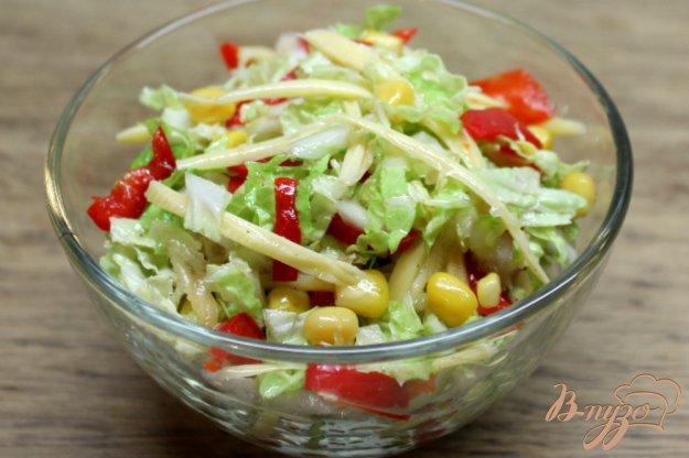 Рецепт салата из пекинской капусты с кукурузой с фото