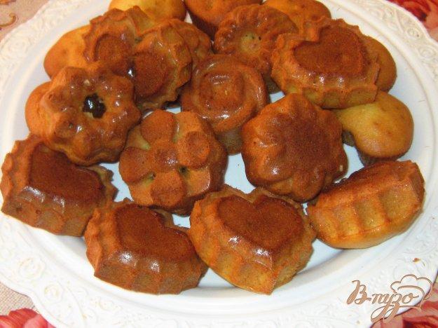 фото рецепта: Кексы с вареной сгущенкой