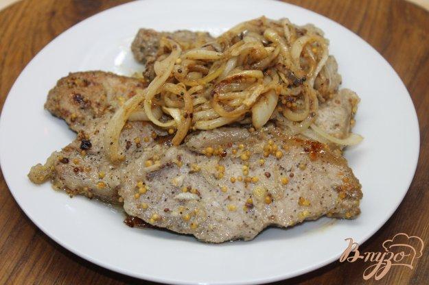 фото рецепта: Свинина маринованная с горчицей в зернах и луком