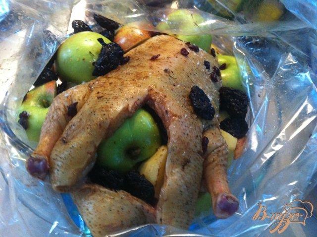 Утка с яблоками запеченная в духовке - рецепты с фото на ...