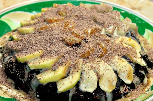 фото рецепта: Шоколадный торт с фруктами
