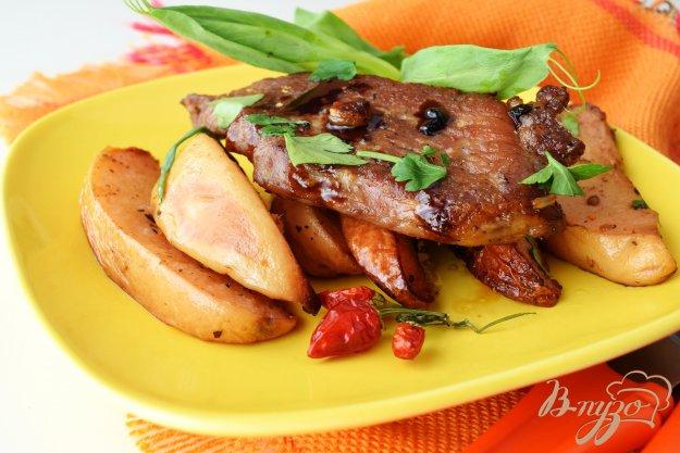 фото рецепта: Свинина с айвой и специями