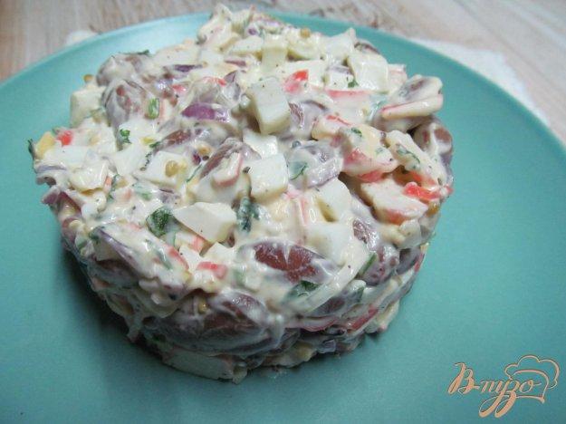 фото рецепта: Салат из фасоли с крабовыми палочками