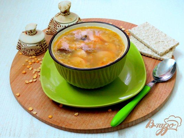 фото рецепта: Суп пюре гороховый с копчёностями и сосисками