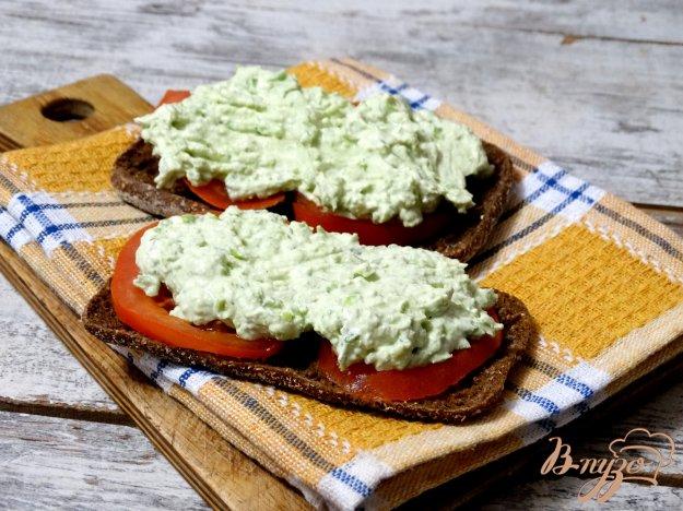 фото рецепта: Дип из творога и зеленого горошка с мятой