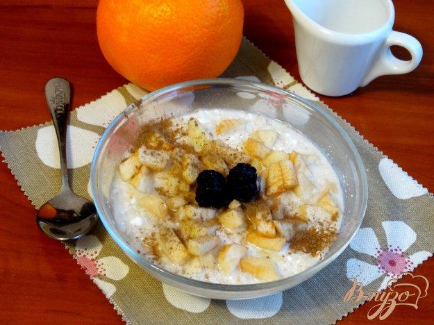 фото рецепта: Утренняя овсянка с творогом, яблоками и корицей