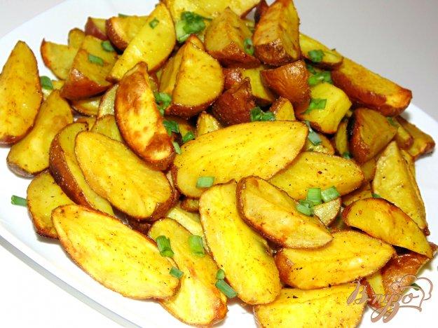 фото рецепта: Золотистый картофель дольками