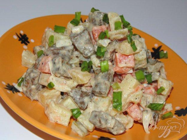 фото рецепта: Сытный печеночный салат