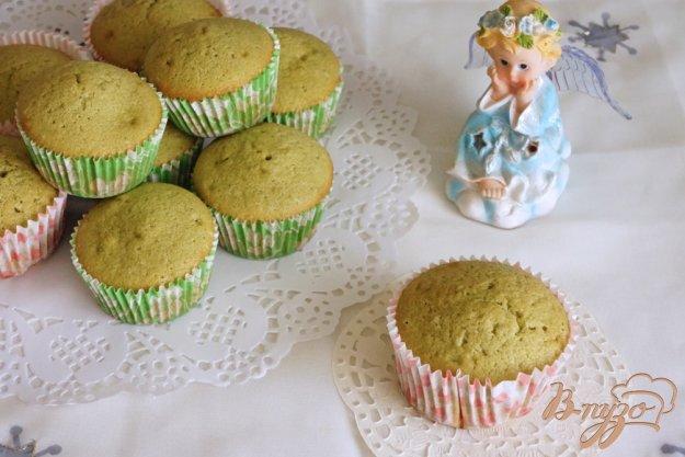 фото рецепта: Сливочные кексы с чаем Матча