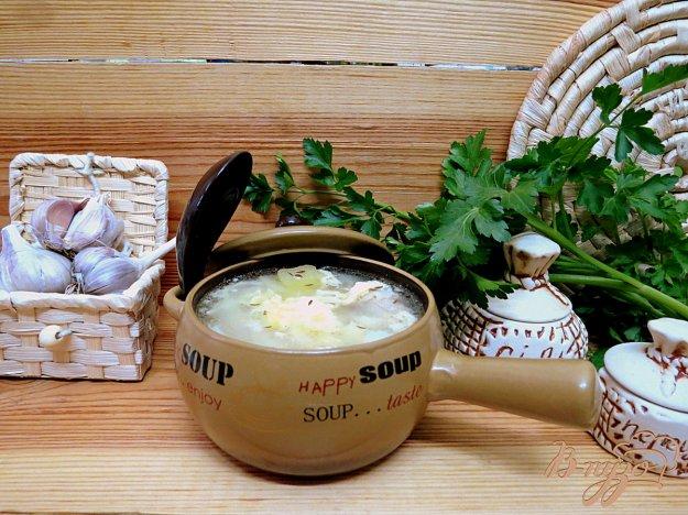 фото рецепта: Чеснечка - чешский чесночный суп (Česnečka)