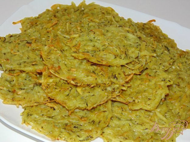 фото рецепта: Картофельные драники с укропом