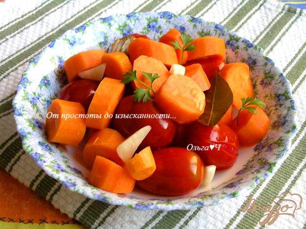 фото рецепта: Томаты, консервированные с морковью (без уксуса)