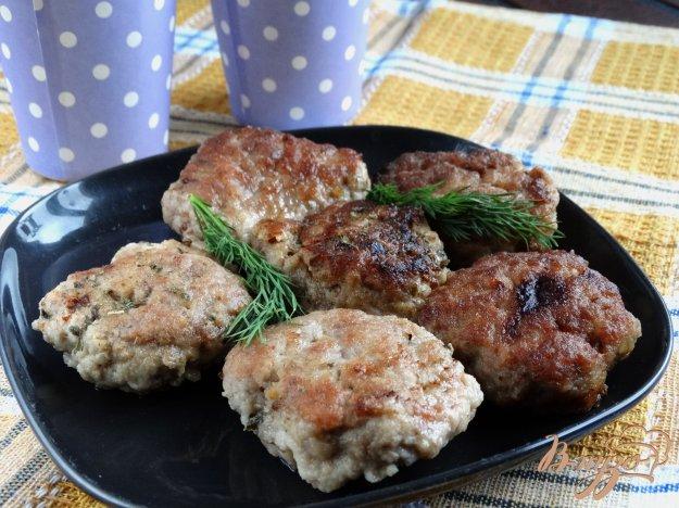 фото рецепта: Котлеты с начинкой из чернослива