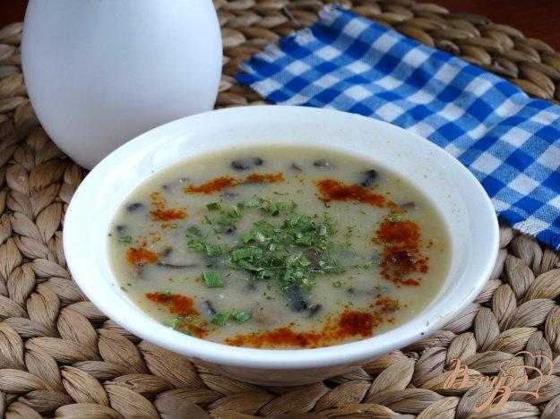 фото рецепта: Гороховый суп-пюре с шампиньнами