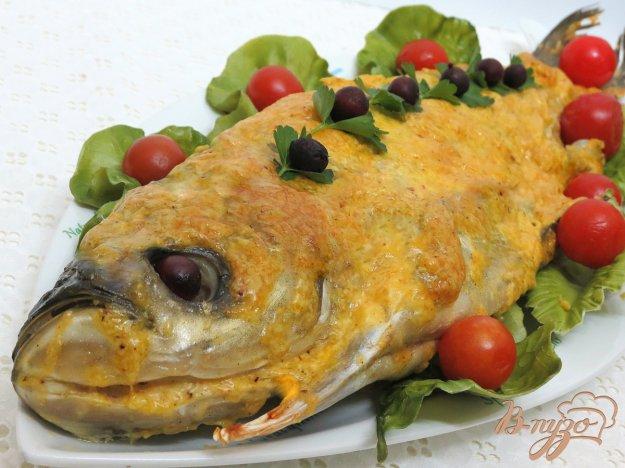 фото рецепта: Толстолобик под сырно - сметанной корочкой