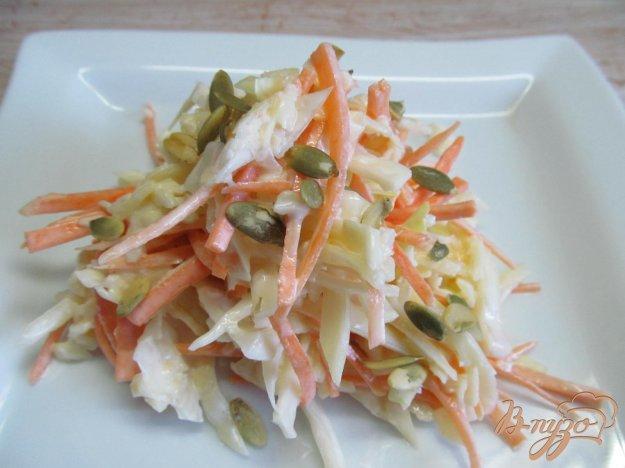 салат с копчёным сыром и капустой