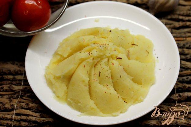 фото рецепта: Картофельное пюре с чесноком и шафраном