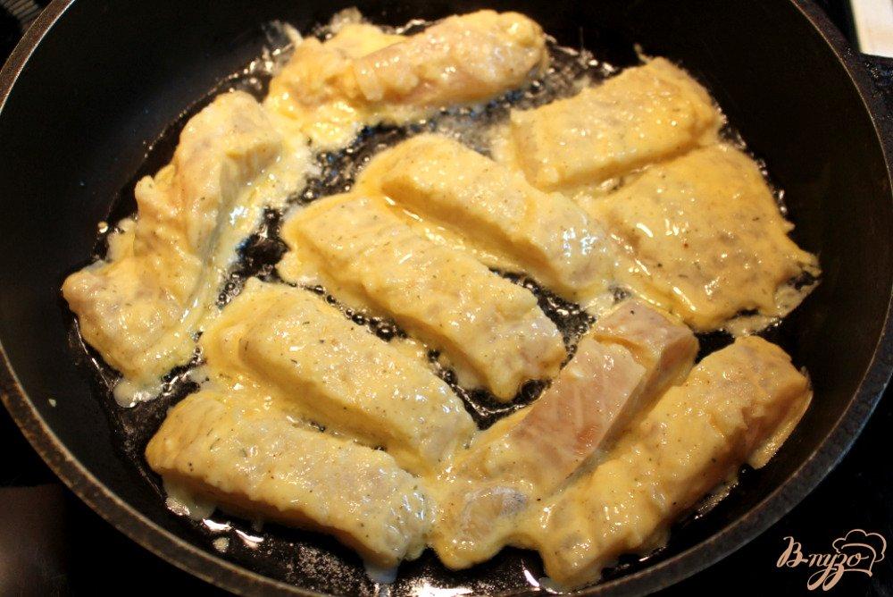 Жареный минтай с луком рецепт пошагово в