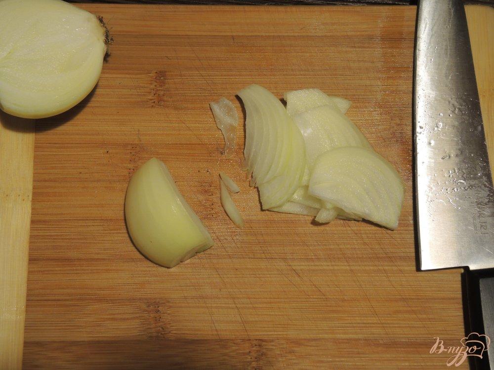 Фото приготовление рецепта: Гречневая лапша (соба) с курицей и овощами шаг №4