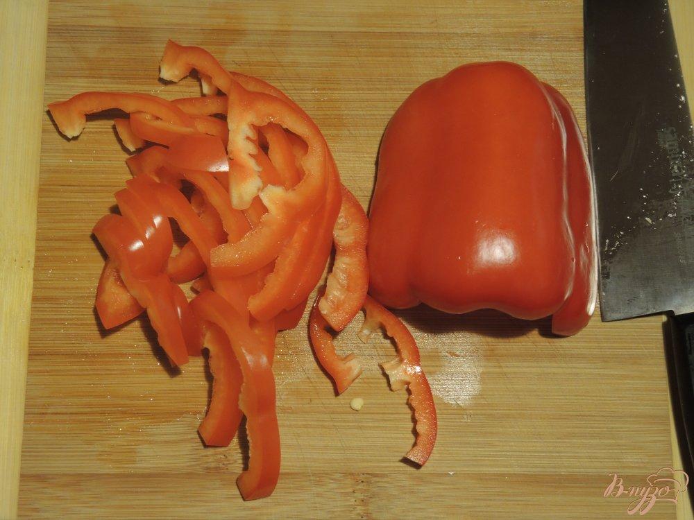 Фото приготовление рецепта: Гречневая лапша (соба) с курицей и овощами шаг №6