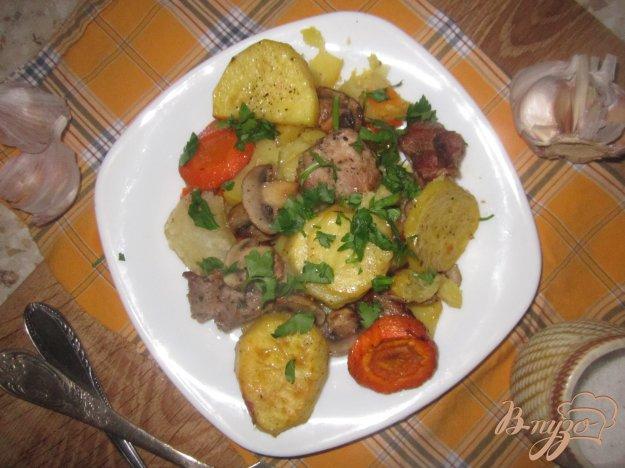 фото рецепта: Пряная свинина запеченная с овощами