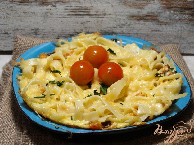 фото рецепта: Фритатта с пастой, болгарским перцем и сыром