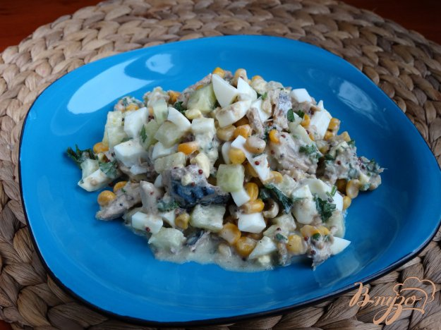 фото рецепта: Салат с тунцом и кукурузой