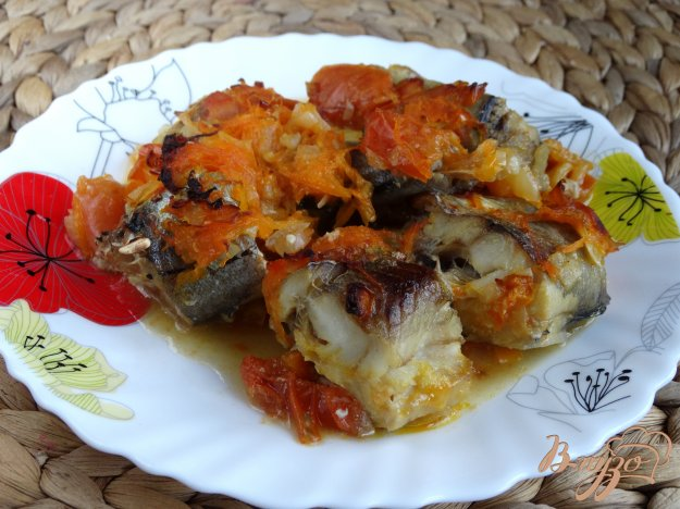 фото рецепта: Минтай запеченный с овощами