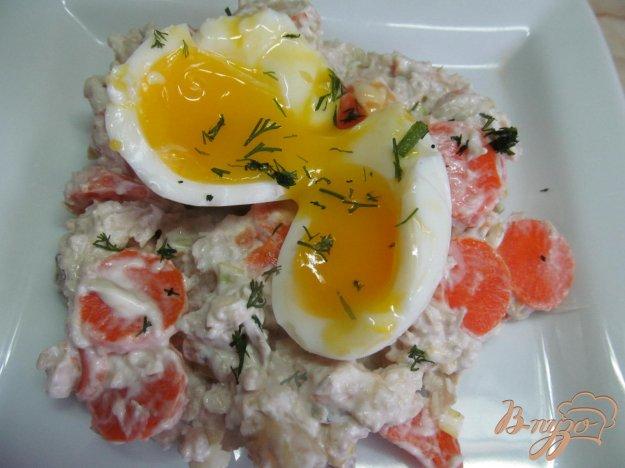 фото рецепта: Салат из отваренной рыбы с картофелем и морковью