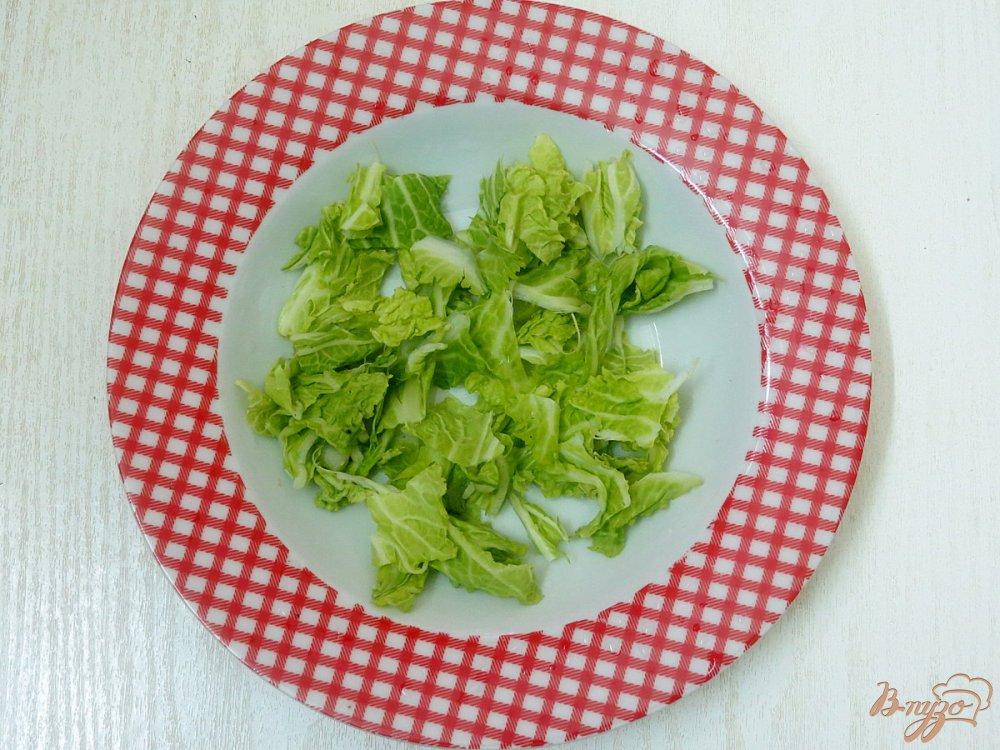 Фото приготовление рецепта: Салат из сыра, грибов и яиц шаг №4