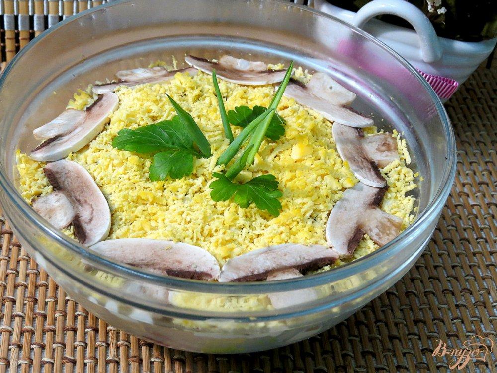 Салат из шампиньонов сыра и чеснока 107