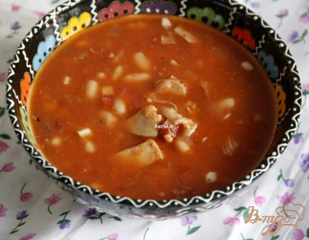 фото рецепта: Быстрый томатный суп с белой фасолью