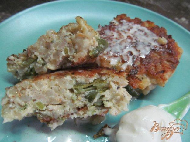 фото рецепта: Котлеты с куриным фаршем сыром и перловкой