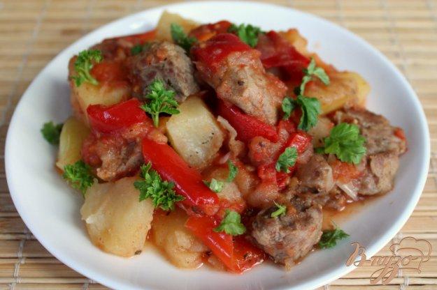 фото рецепта: Жаркое из свинины с болгарским перцем и картофелем